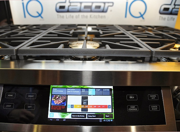 Smart 10-inch interface for the Dual-Fuel Range