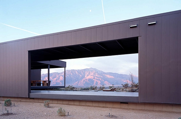 Steel-framed desert house in California