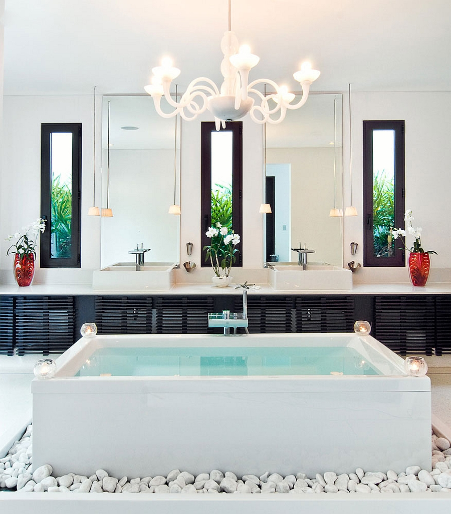 Stunning bath with standalone bathtub