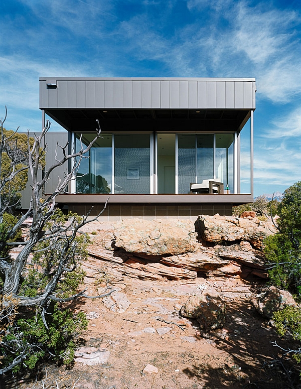 Stylish hidden valley prefab house