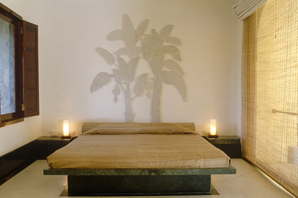 Tropical bedroom with Asian style