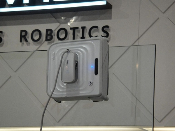 Winbot robot window cleaner
