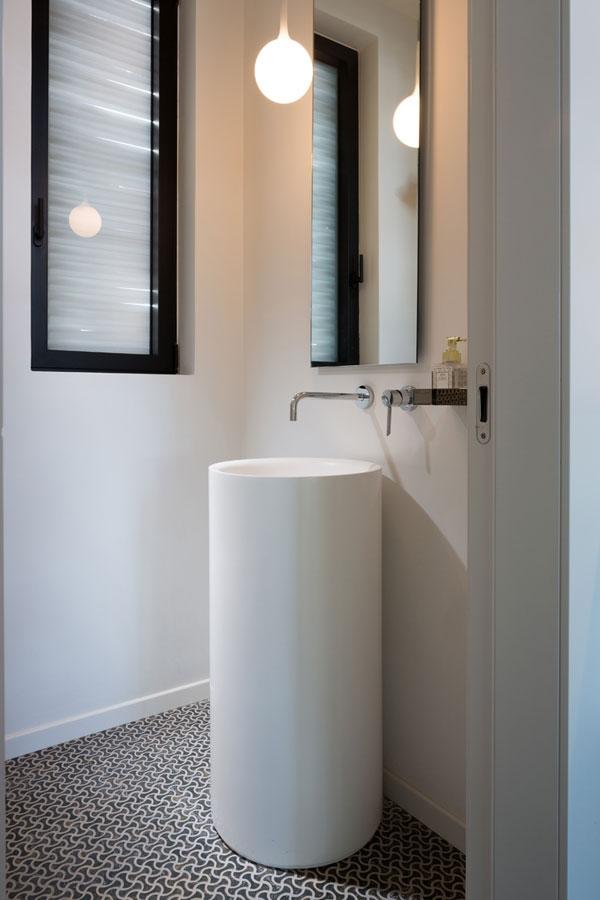 large bathroom sink idea