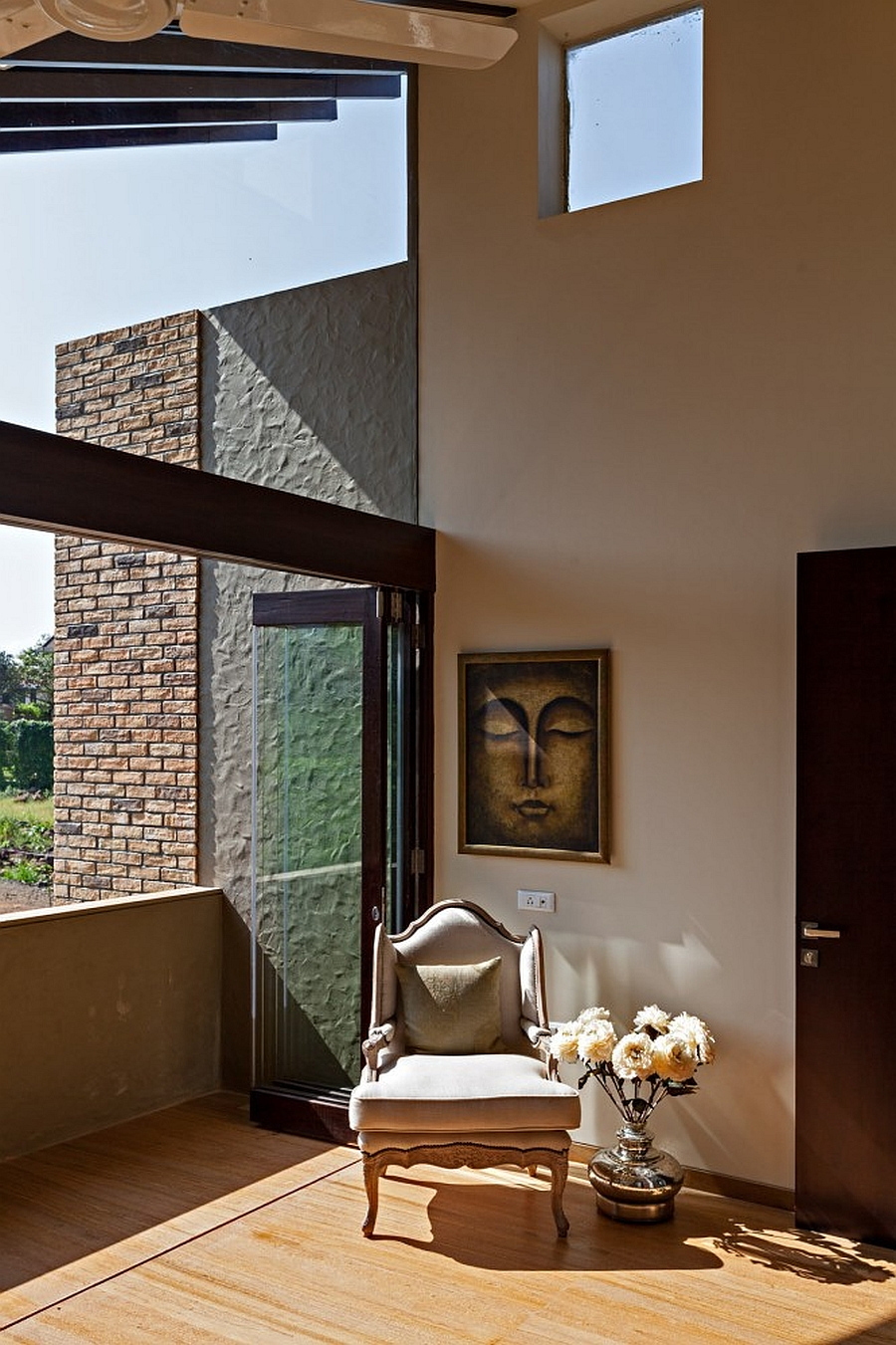 natural ventilation inside the monsoon retreat in india