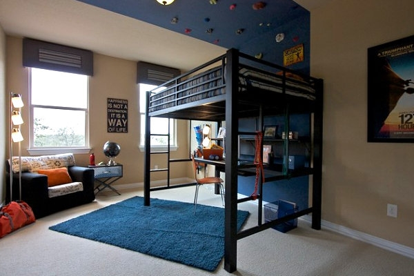 A bunk bed to maximize the space