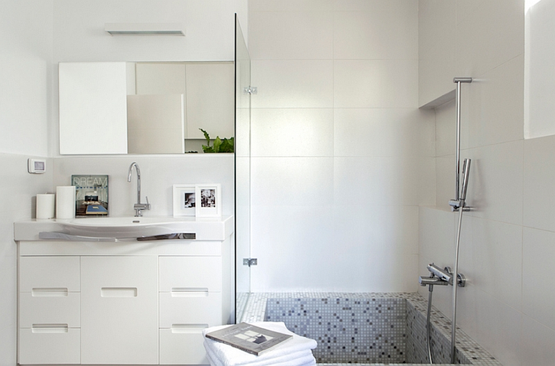 Contemporary bath in white with glass shower area