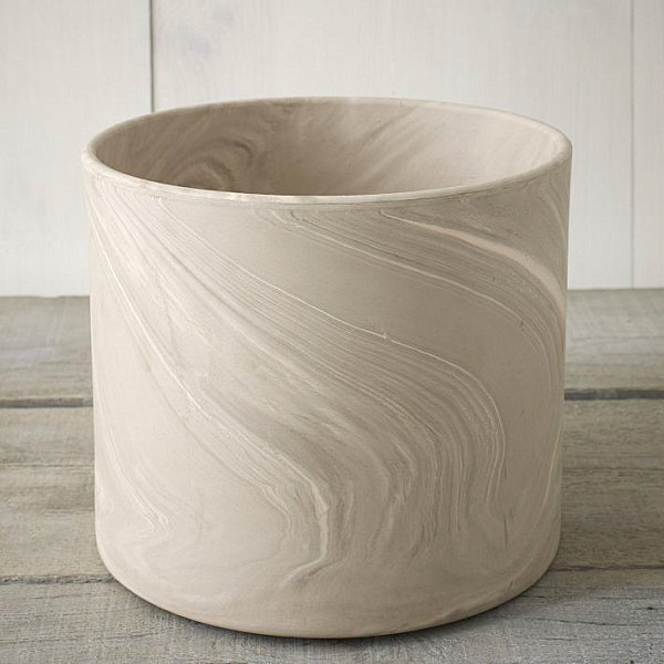 Cylinder planter with marbleized finish