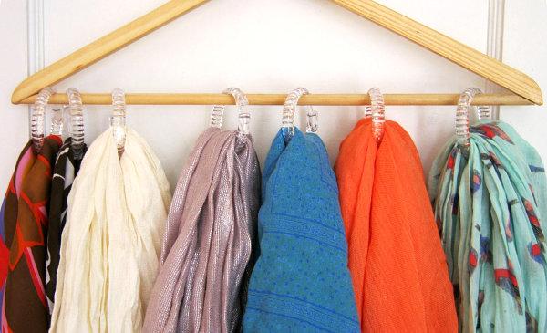Easy DIY scarf organizer