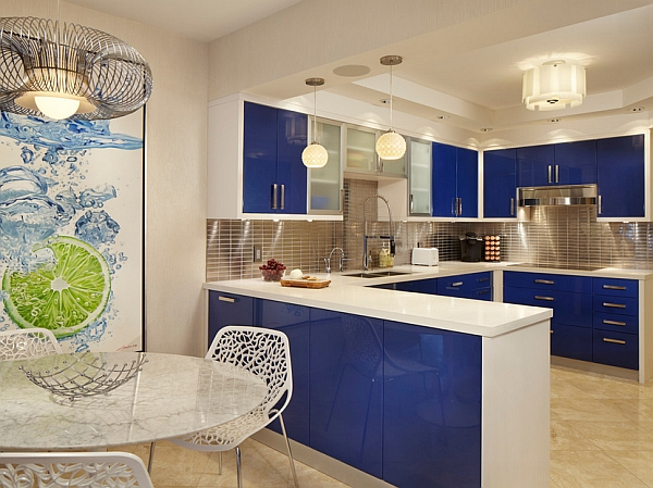 Fresh blue and white color scheme for your kitchen
