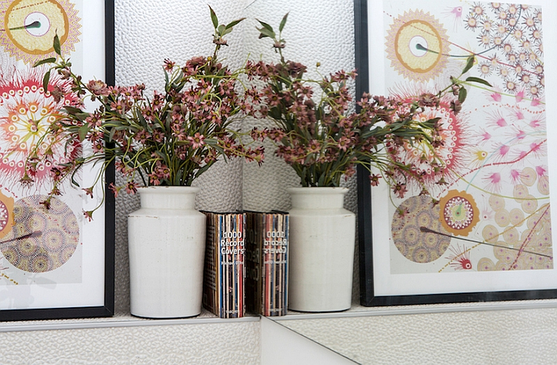 Gorgeous decorating idea with flower vase