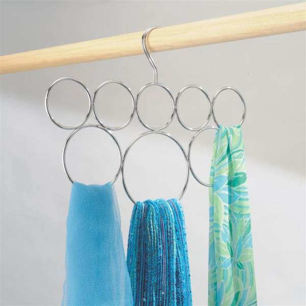 Hanging loop scarf holder