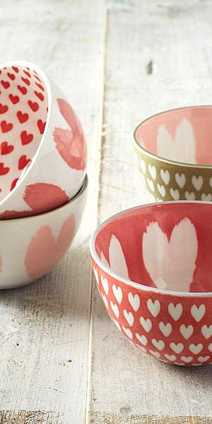 Heart-motif bowls