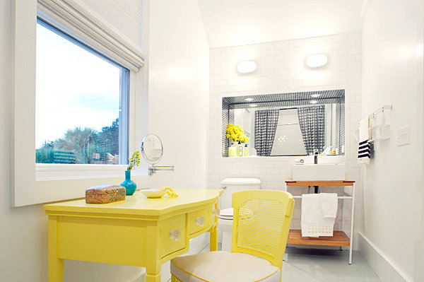 Lemon yellow details in a modern bathroom