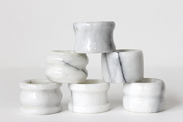 Marble napkin rings from Etsy shop Ffog