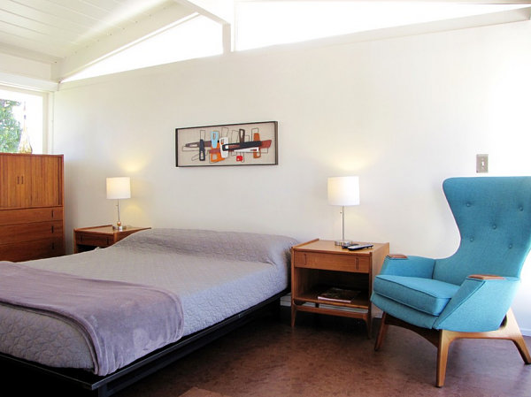 View in gallery Mid-Century modern bedroom