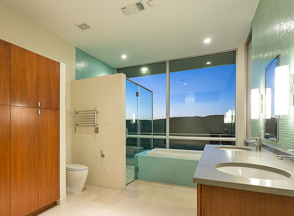 Mint makes a splash in a modern bathroom