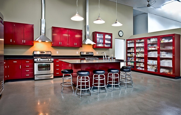 Red kitchen cabinets can be both retro and contemporary at the same time
