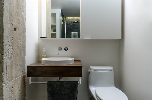 3 urban lofts with unforgettable style for Urban bathroom ideas
