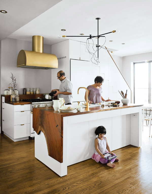 brass accents kitchen fixtures Brass Hardware And Fixtures Are Back!