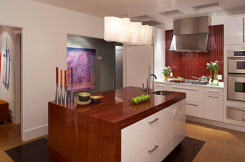 A backsplash that works well with the color scheme of the kitchen