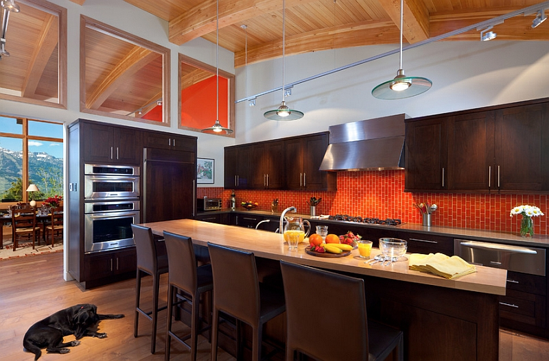 A balanced and bold splash of orange in the kitchen