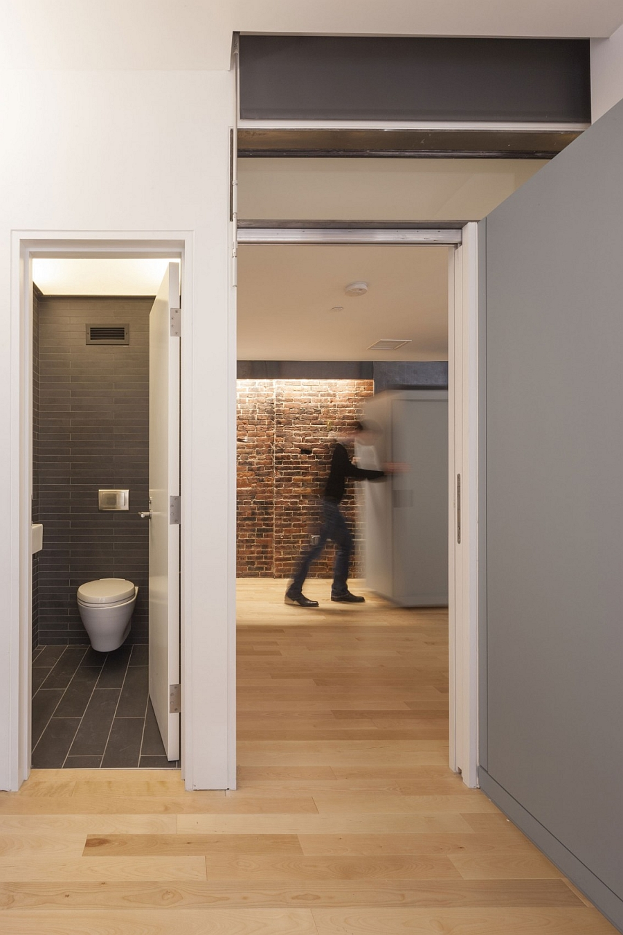 A view of the compact bathroom