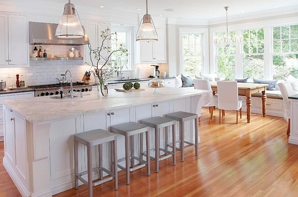 An all-white traditional kitchen with subtle hints of grey