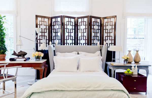 Beautiful asian-style bedrooms with wood elements