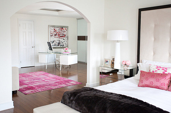 Black trim in a pink and white bedroom