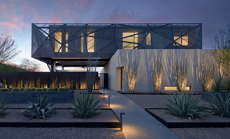 Brilliant facade of Tresarca in Las Vegas Scintillating Desert House In Las Vegas Brings The Outdoors Inside