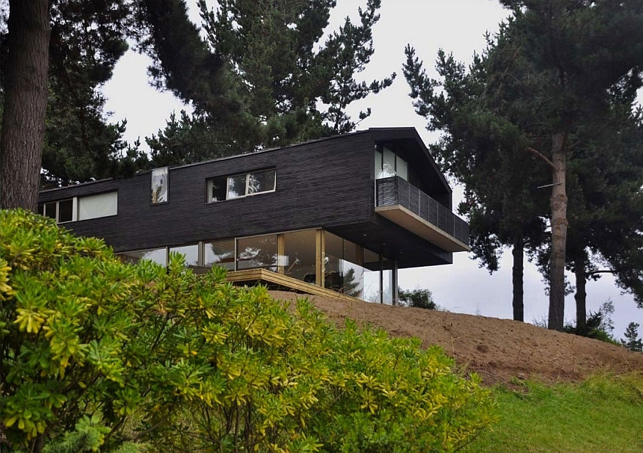 Cantilivered structure of Casa Cantagua in Chile