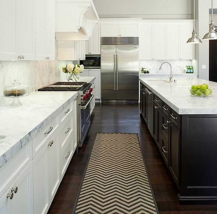 Chevron strip rug in the kitchen
