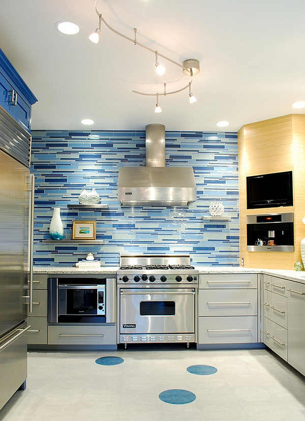 Combine several different shades of blue for the backsplash