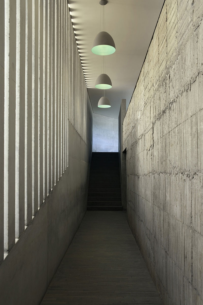 Concrete and stone walls of Casa L