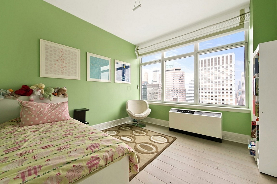 Cool kids' bedroom in green