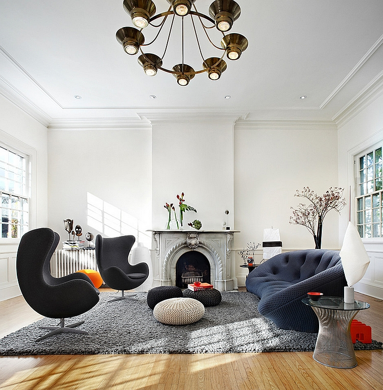 Couple of Jacobsen Egg Chairs and the Platner table used in this cozy room