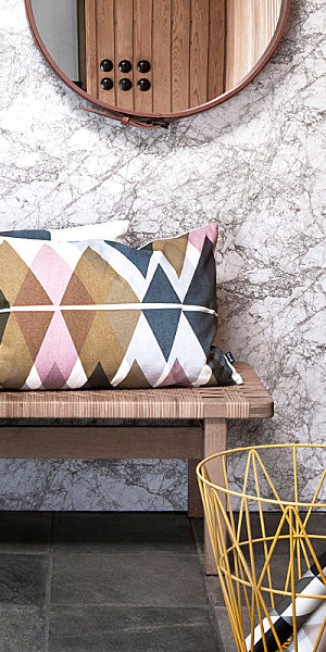 Diamond-pattern pillow