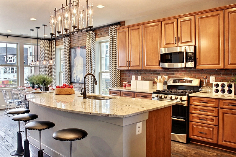 Drapes add style both to the kitchen and the dining spaces