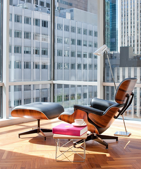 Eames wire base table next to the Lounger