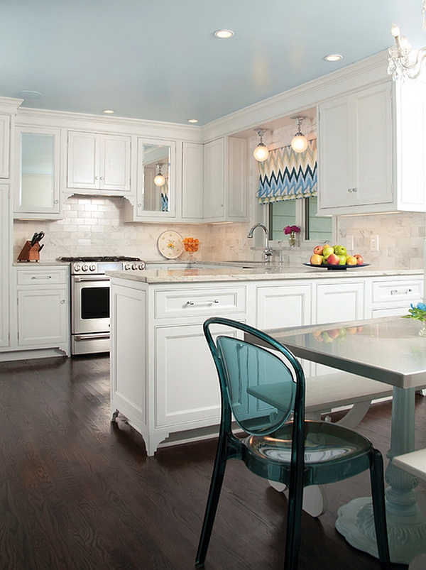 Enhance the accent hue with shades in chevron stripes