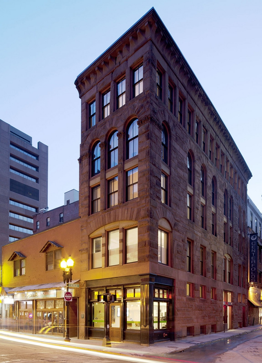 Old office building in boston transformed into a grand for Office building architecture