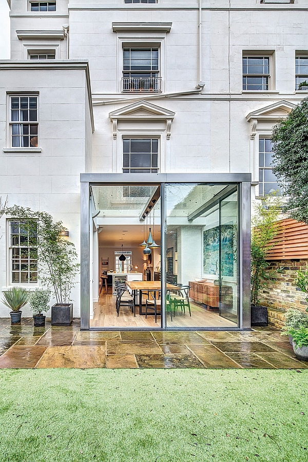 Exuberant English Home Delights With A Colorful And Original Interior