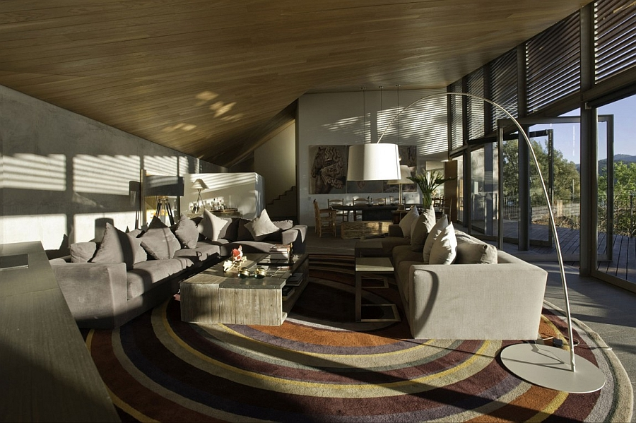 Living room of Casa L in Mexico Luxurious Casa L Showcases Beautiful Lake Views And A Bold Interior
