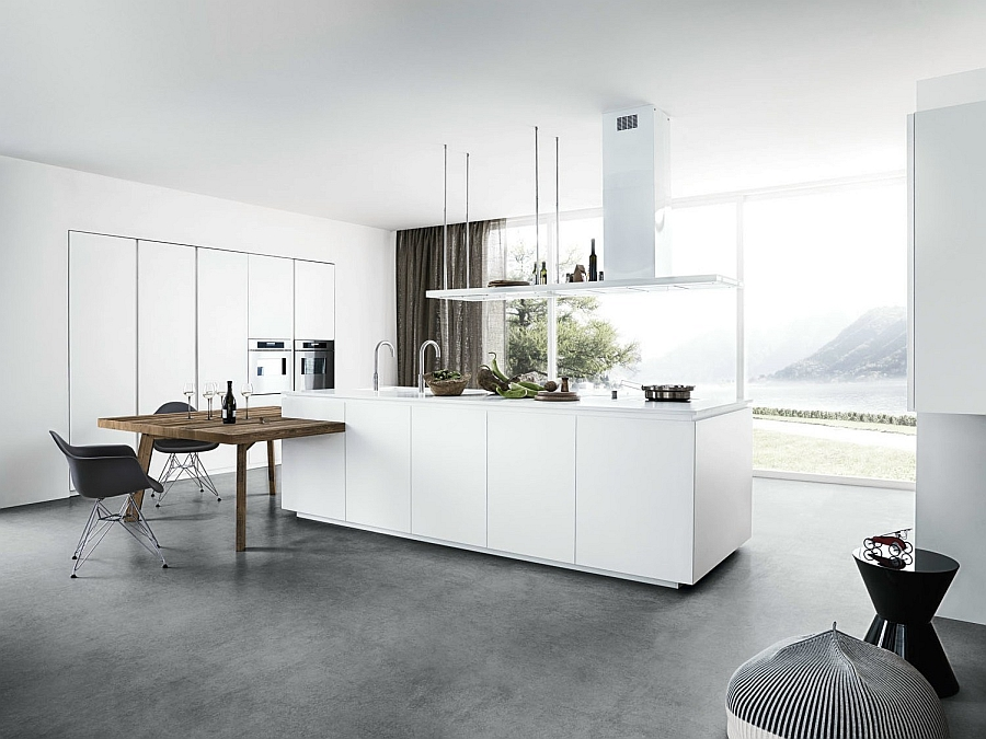 Lovely little entertaining area in the kitchen