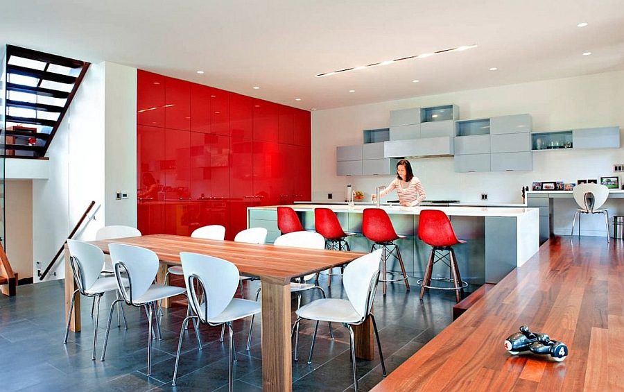 Modern kitchen win bright red and white