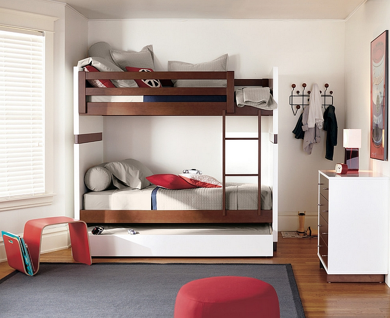 Offi Mag in red brings both color and organization to the kids' room