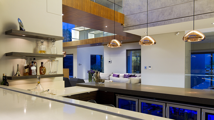 Pendant lights in copper hue above the kitchen counter