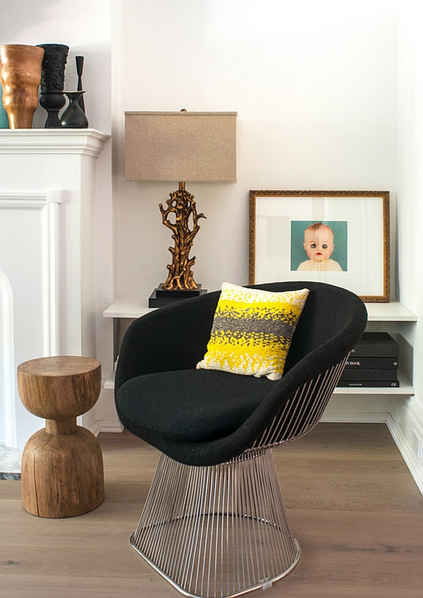 Platner Lounge Chair in the eclectic living room