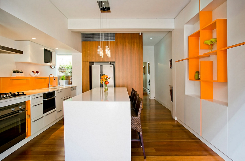 Repetition of accent hues lends balance to the room