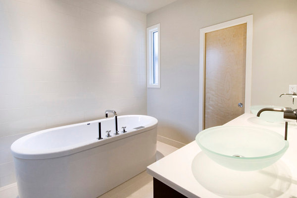 View In Gallery Simple Style In A Minimalist Bathroom